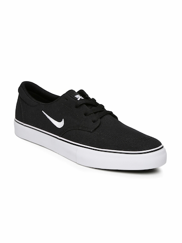 cff9182b0f40b 50% OFF on Nike Men Black SB Clutch Skate Shoes on Myntra ...