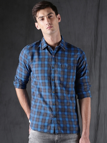 98781369f98 60% OFF on WROGN Men Blue   Grey Slim Fit Checked Casual Shirt on Myntra