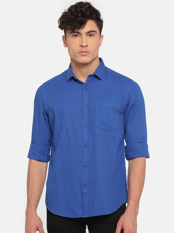 8db53e1afc7 40% OFF on Indian Terrain Men Blue Slim Fit Solid Casual Shirt on Myntra