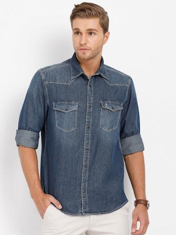 01007196b21 Buy Indian Terrain Men Blue Regular Fit Solid Denim Casual Shirt on Myntra