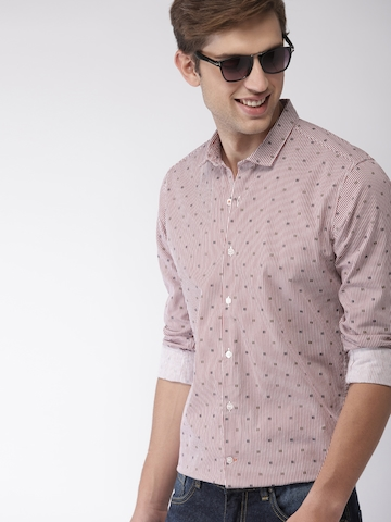 a0701e2455a Mast & Harbour Men White & Maroon Slim Fit Striped Casual Shirt