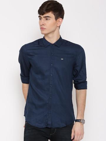 2bd9c0742b85d4 Buy Lee Navy Eddy Slim Fit Casual Shirt on Myntra | PaisaWapas.com