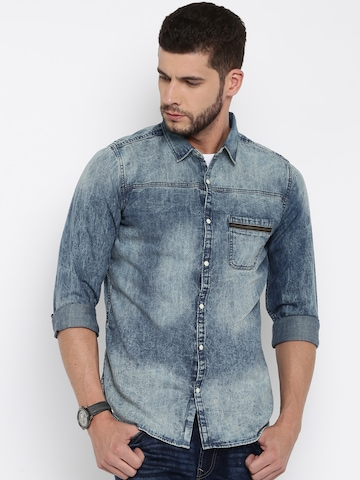 b5ba2e4645 United Colors of Benetton Men Blue Washed Denim Shirt