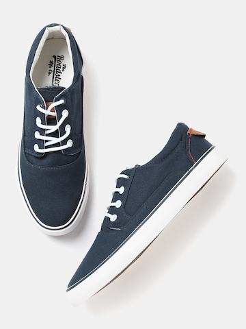Roadster Men Navy Sneakers