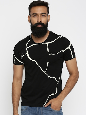 04e5c098687783 50% OFF on Being Human Men Black Printed Round Neck T-shirt on Myntra