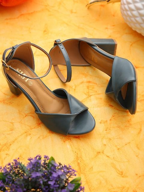 GNIST Women Green Solid Sandals