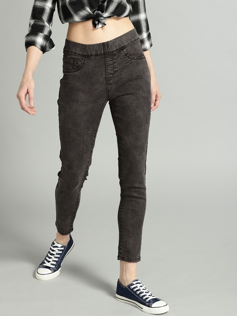 Roadster Women Charcoal Grey Solid Super Skinny Fit Cropped Jeggings