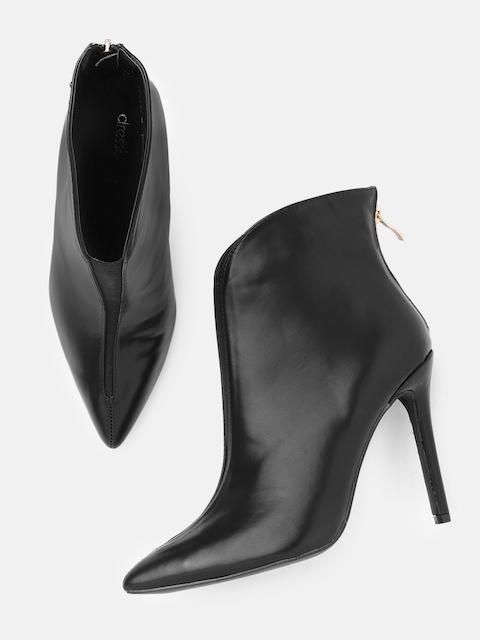 DressBerry Women Black Solid Heeled Boots