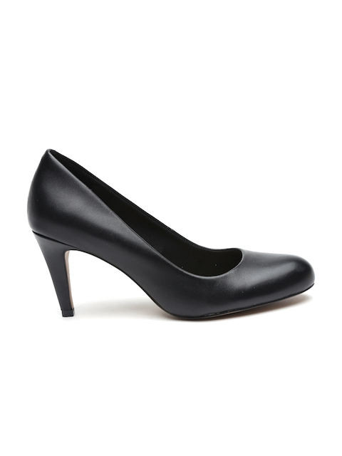 Clarks Women Black Leather Pumps