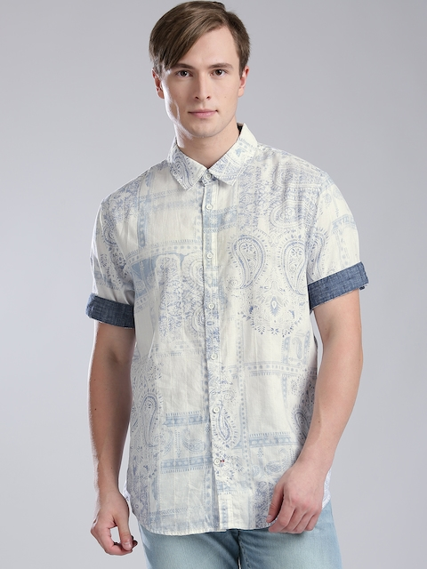 GUESS Men Off-White & Blue Slim Fit Printed Casual Shirt