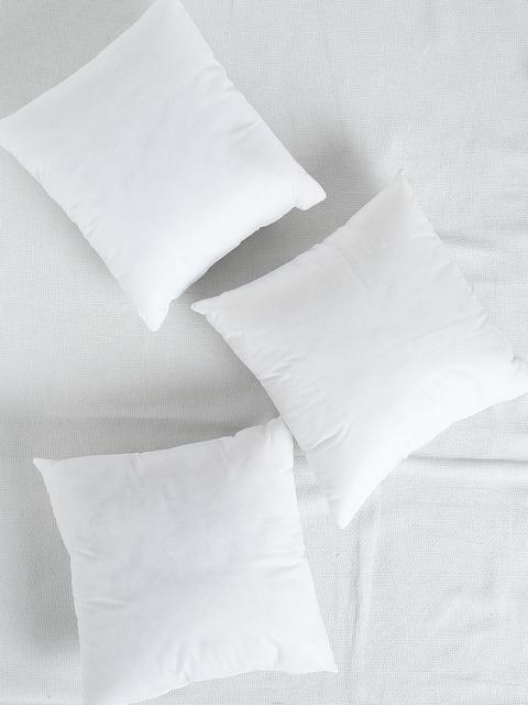 SWHF White Set of 3 Fibre 16'' x 16'' Square Cushions