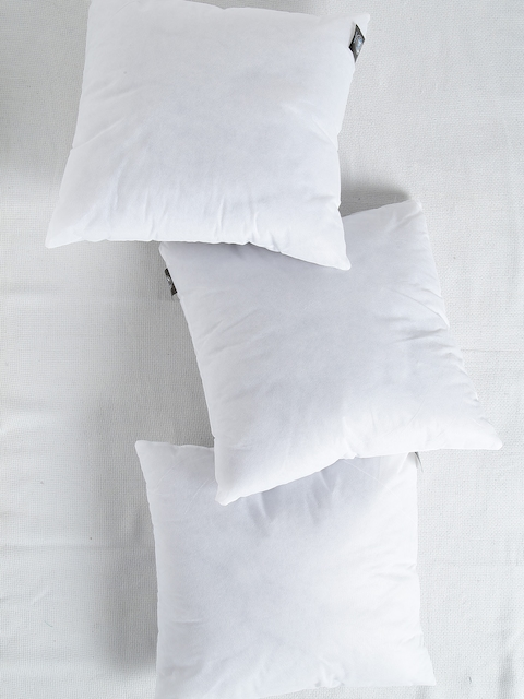 SWHF White Set of 3 Fibre 16'' x 16'' Square Cushions