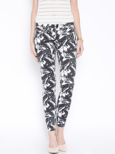 ONLY Black & White Ankle-Length Printed Trousers