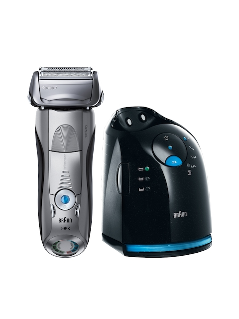 Braun Men Black Wet & Dry Shaver with Clean & Charge Station 7 799cc-7