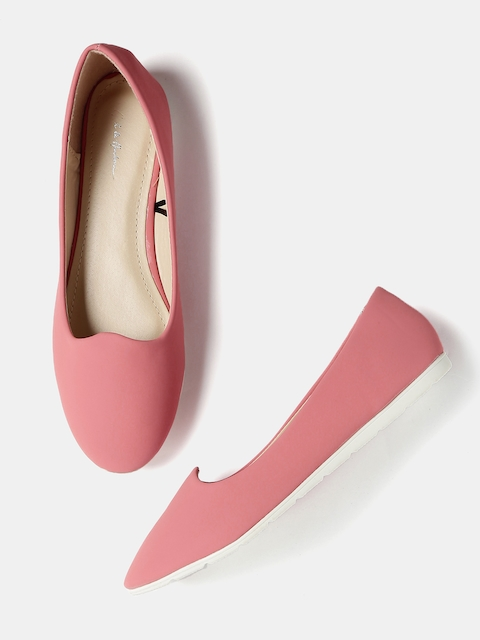 Mast & Harbour Women Coral Solid Flat Shoes