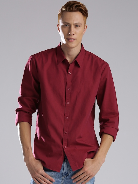 Levis Men Maroon Regular Fit Solid Casual Shirt