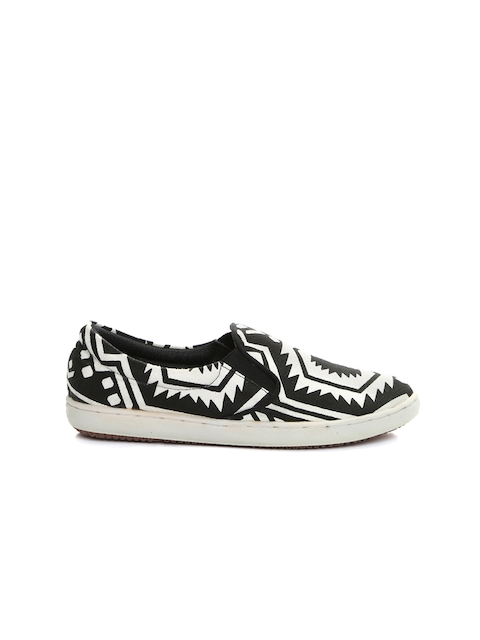 Carlton London Women Black & White Aztec Print Slip-On Sneakers