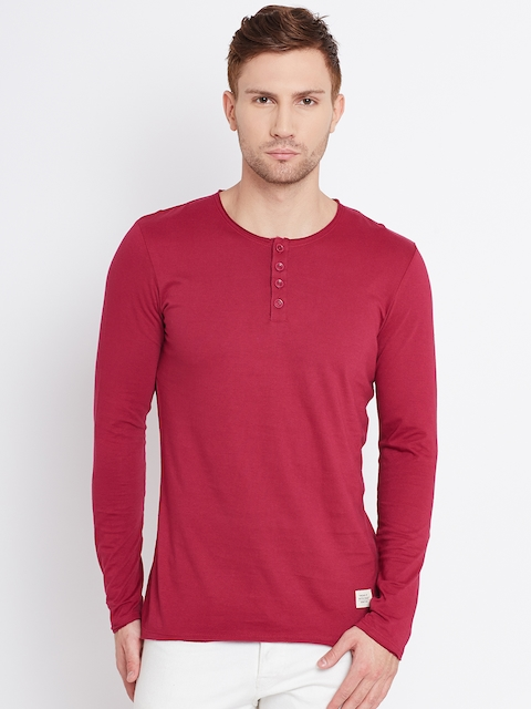 United Colors of Benetton Men Magenta Solid Henley Neck T-shirt