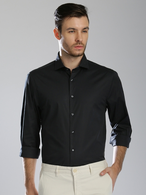 Tommy Hilfiger Men Black Regular Fit Solid Casual Shirt