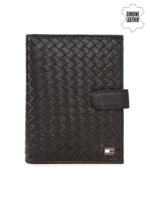 Tommy Hilfiger Men Brown Basketweave Leather Passport Holder