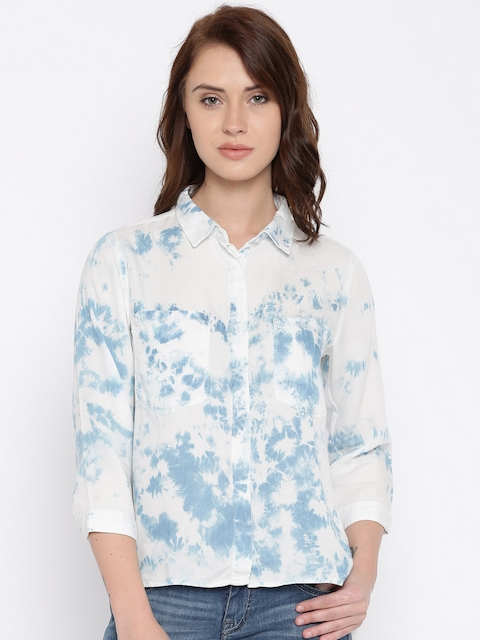 Lee Women Off-White & Blue Dyed Casual Shirt