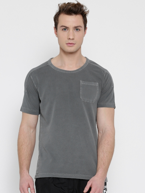 Reebok Men Grey EL Pigment Dye Solid Slim Round Neck Training T-shirt