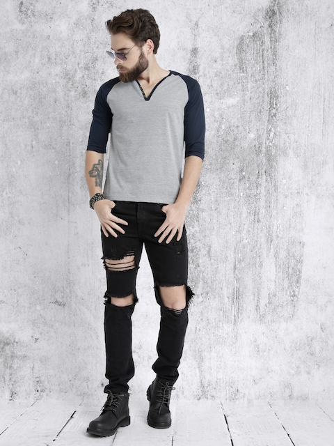 Roadster Men Grey Melange & Black Solid V-Neck T-shirt