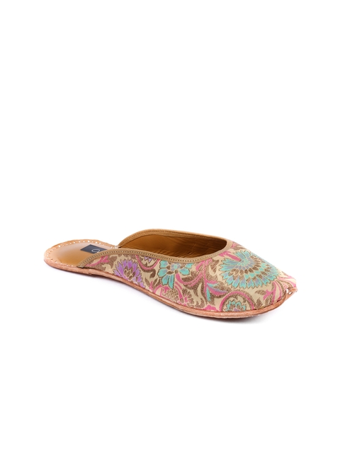 Coral Haze Women Multicoloured Handcrafted Printed Silk Flats