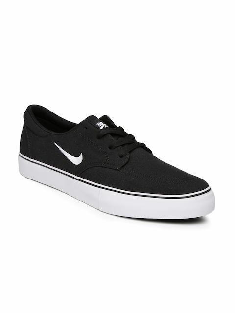 Nike Men Black SB Clutch Skate Shoes