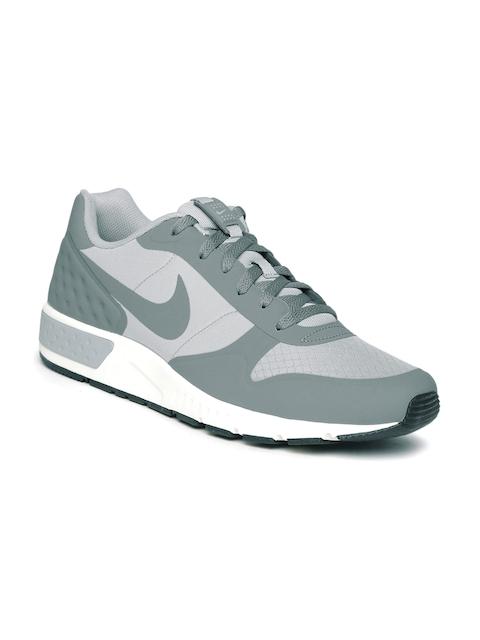 Nike Men Nightglazer Sneakers