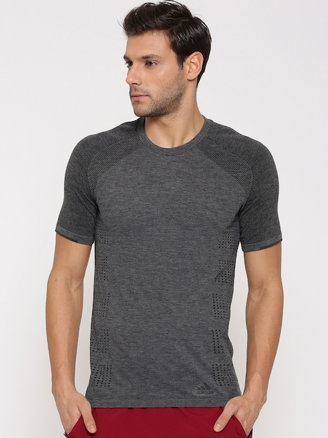 ADIDAS Men Charcoal Grey PrimeKnit Fitted Fit Solid Round Neck T-shirt