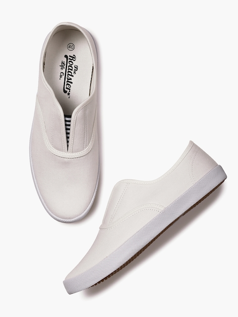 Roadster Men White Solid Slip-On Sneakers