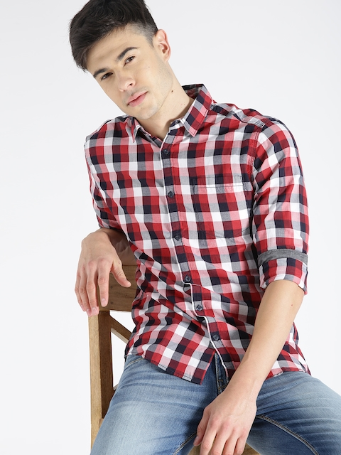 s.Oliver Men Red Slim Fit Checked Casual Shirt