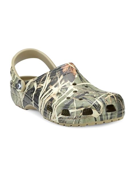 Crocs Men Green & Brown Camouflage Print Clogs
