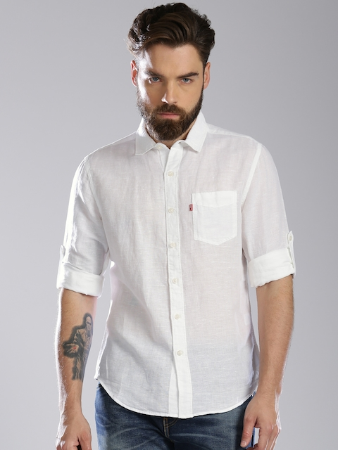 Levis Men White Slim Fit Solid Casual Shirt