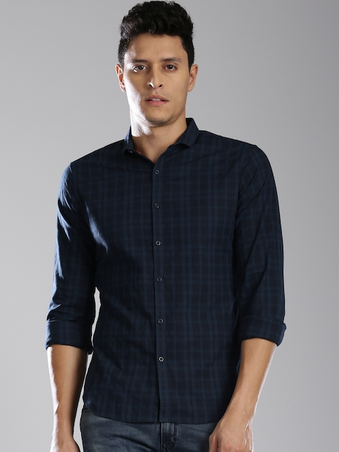 Levis Men Navy Regular Fit Checked Casual Shirt