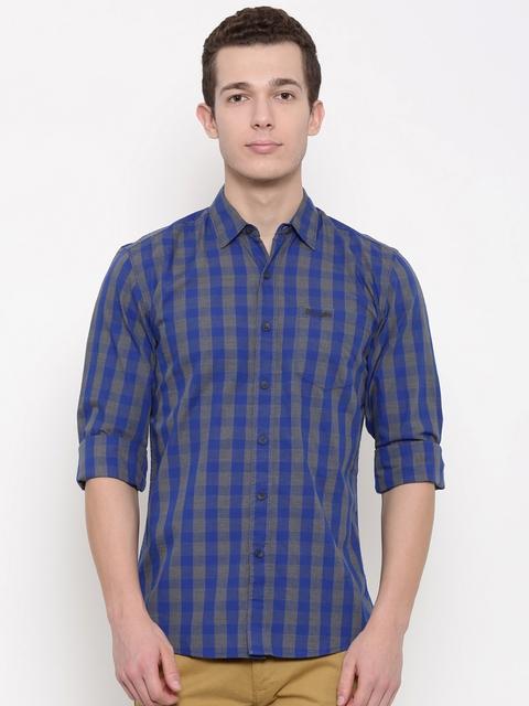 Wrangler Men Blue & Grey Regular Fit Checked Casual Shirt