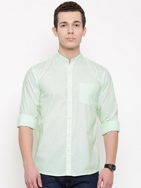 Wrangler Men Green Regular Fit Striped Casual Shirt