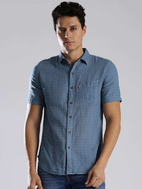Levis Men Blue Slim Fit Self Design Casual Shirt