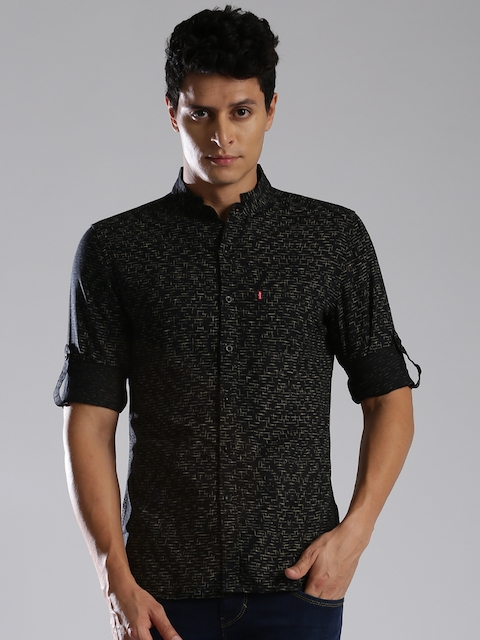 Levis Men Black & Yellow Slim Fit Printed Casual Shirt