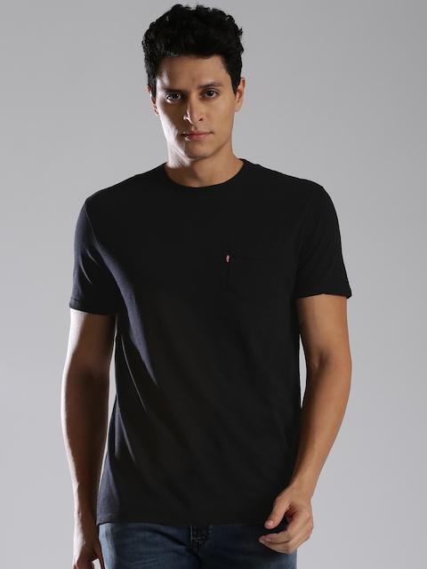 Levis Men Black Solid Round Neck T-shirt