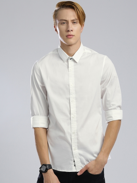 GUESS Men Off-White Super-Slim Fit Solid Casual Shirt