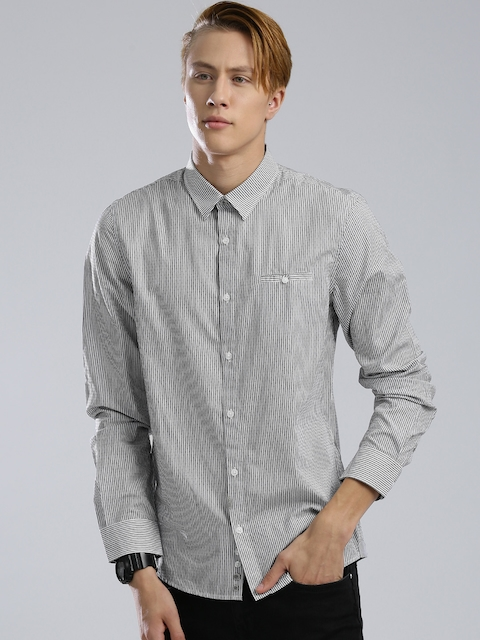 GUESS Men Grey & White Slim Fit Striped Casual Shirt