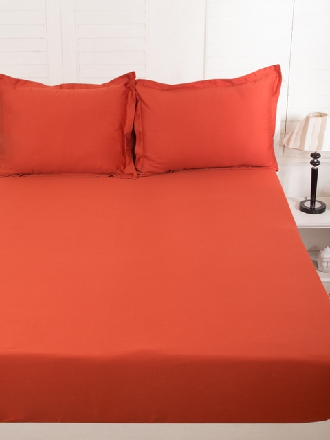 MASPAR Red Cotton 300 TC Fine Double Bedsheet with 2 Pillow Covers