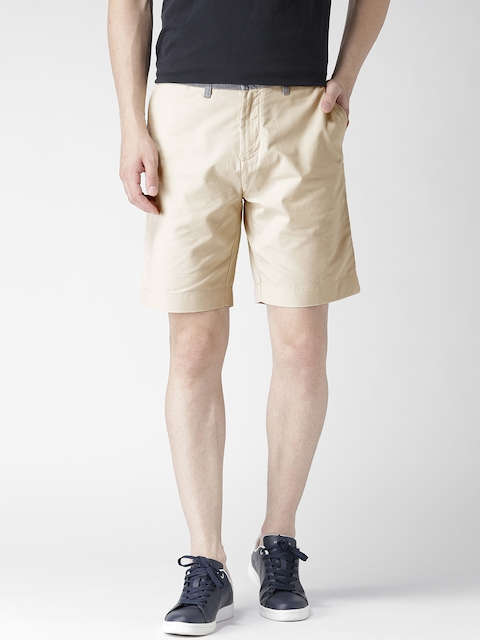 Tommy Hilfiger Men Beige Solid Regular Fit Chino Shorts