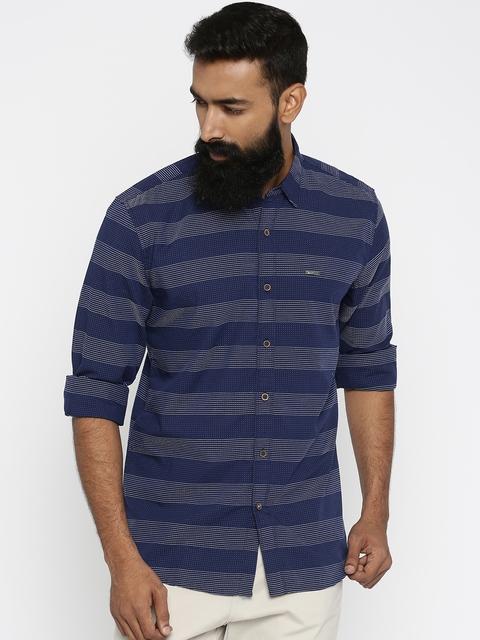 Wrangler Men Navy Blue Regular Fit Printed Casual Shirt