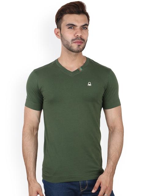 Undercolors of Benetton Men Green Solid V-Neck T-shirt