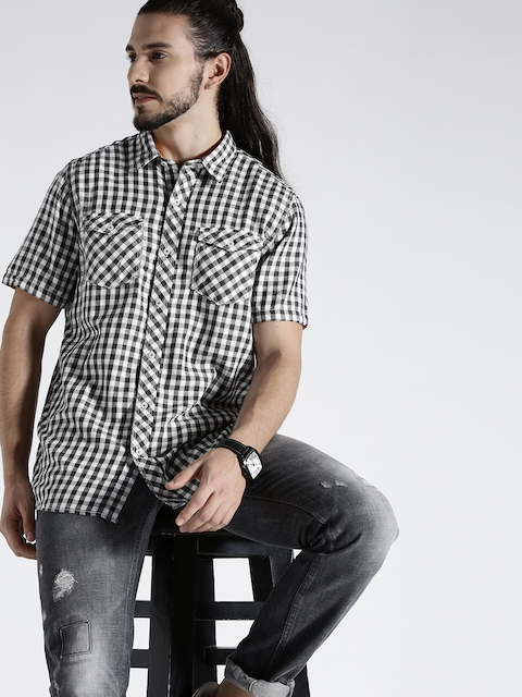 s.Oliver Men Grey & White Checked Casual Shirt