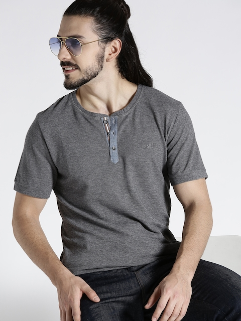 s.Oliver Men Grey Melange Solid Henley Neck T-shirt