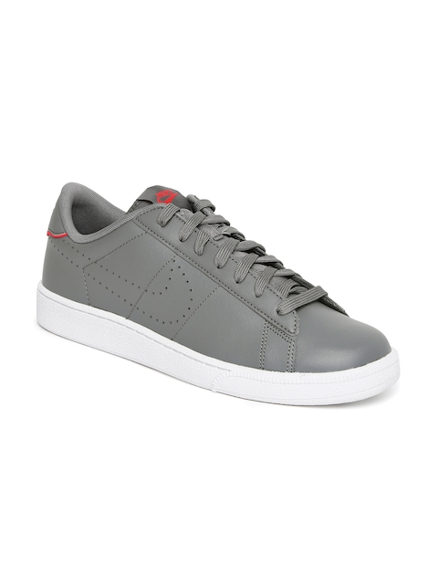 Nike Men Grey Tennis Shoes